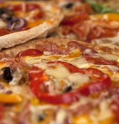 Pizza (με όλο τον μπαξέ)