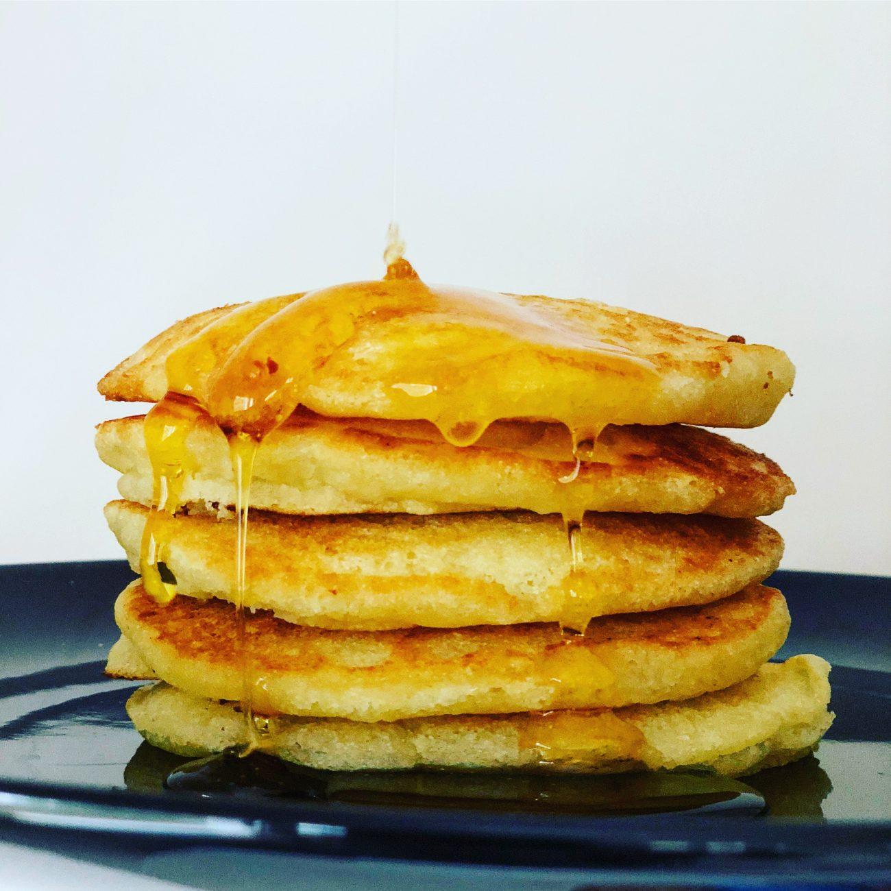 νηστίσιμα pancakes με σιμιγδάλι