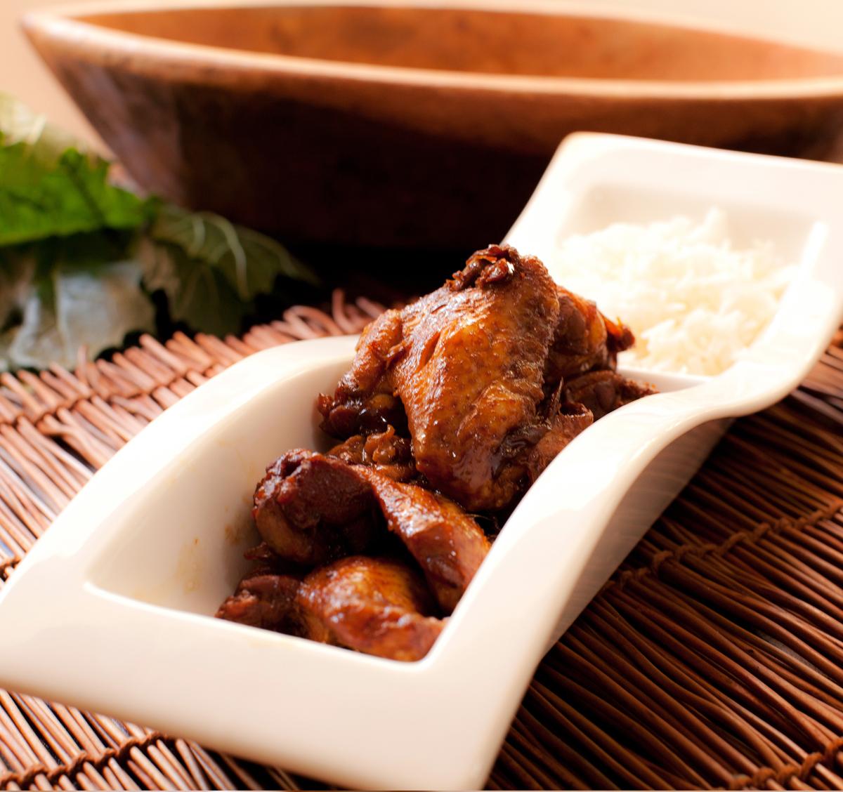φτερούγες κοτόπουλου με σάλτσα σόγιας